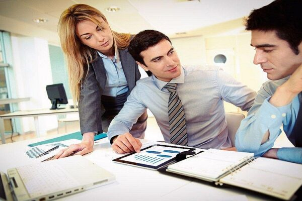 Don't get left behind and upgrade your business by using VAT HR software in Saudi Arabia
